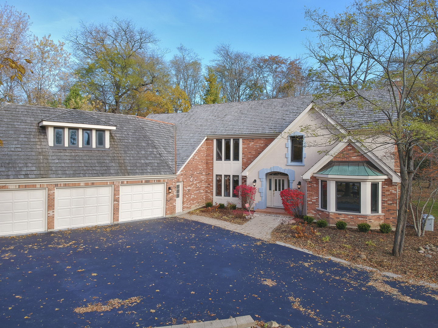 27504 North Chevy Chase Road, Mundelein, Illinois 60060