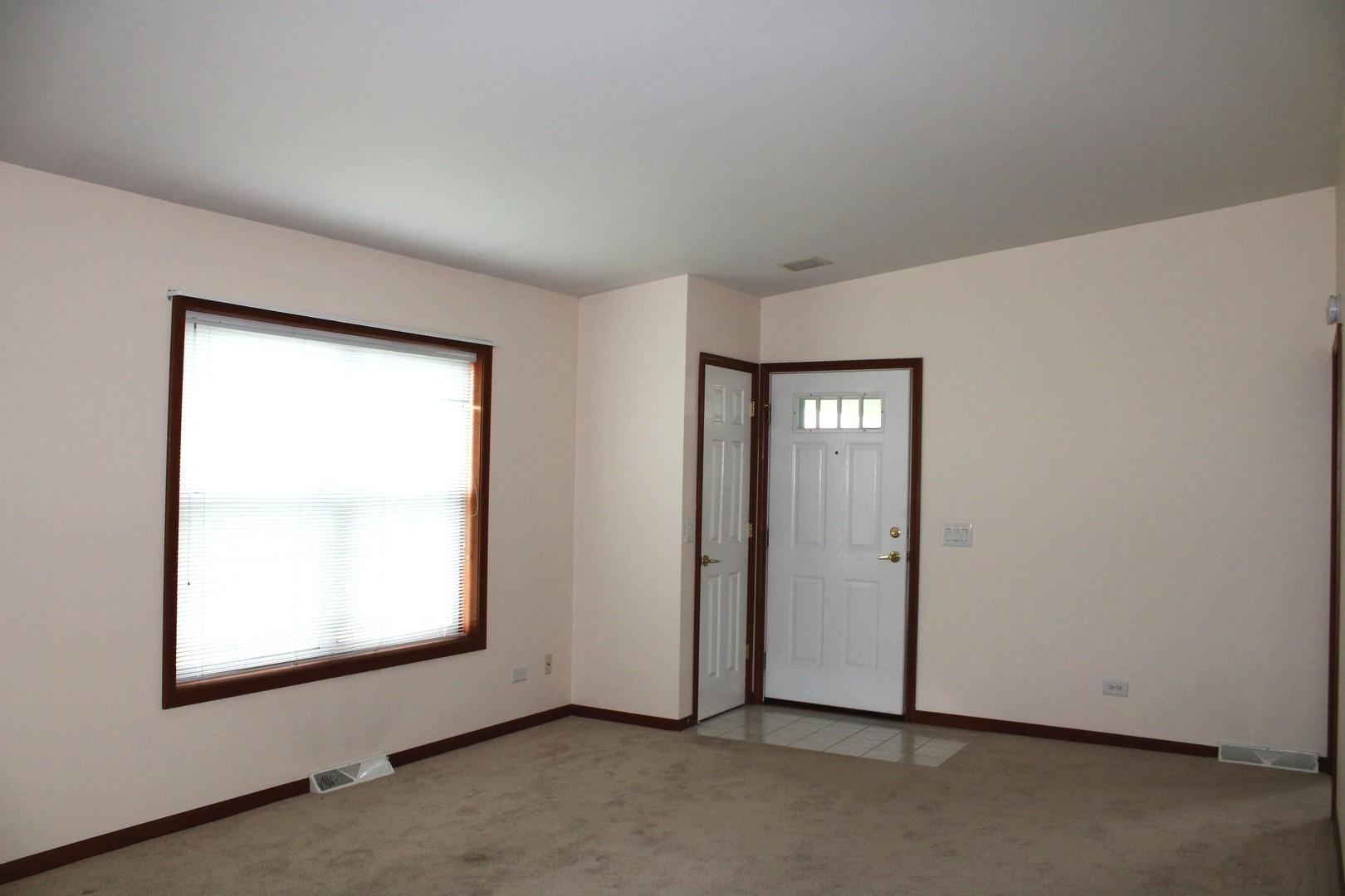 1002 CASTLETON, Grayslake, Illinois, 60030