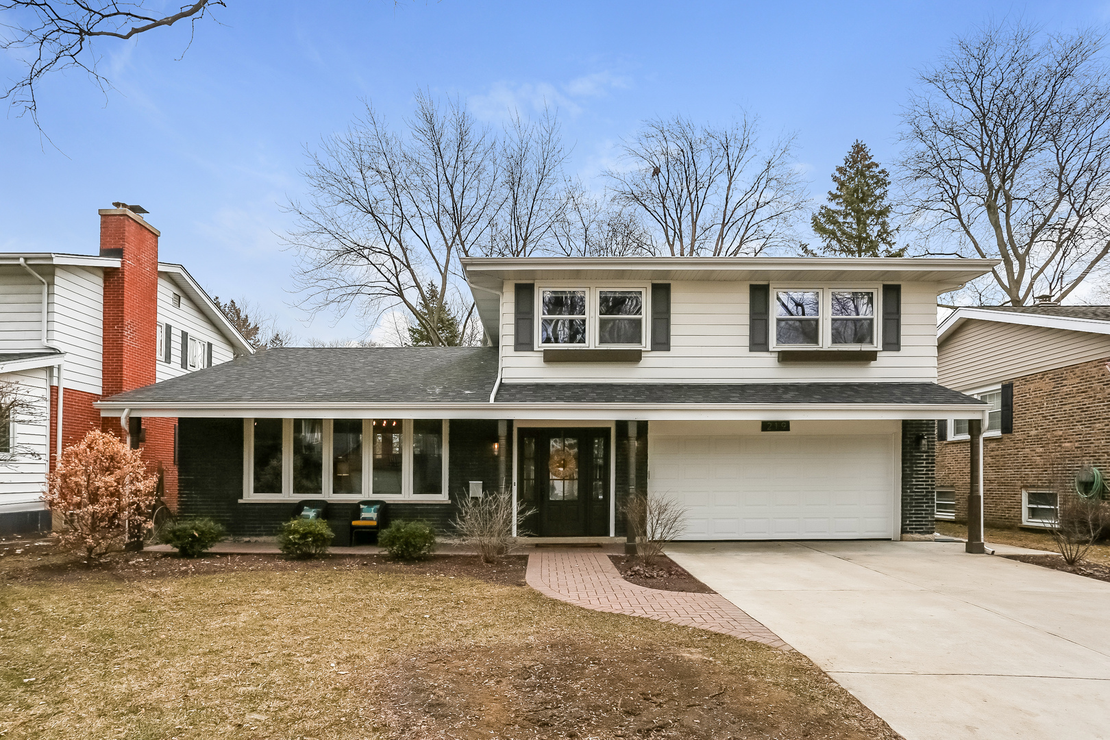 219 North Hickory Avenue, Arlington Heights, Illinois 60004