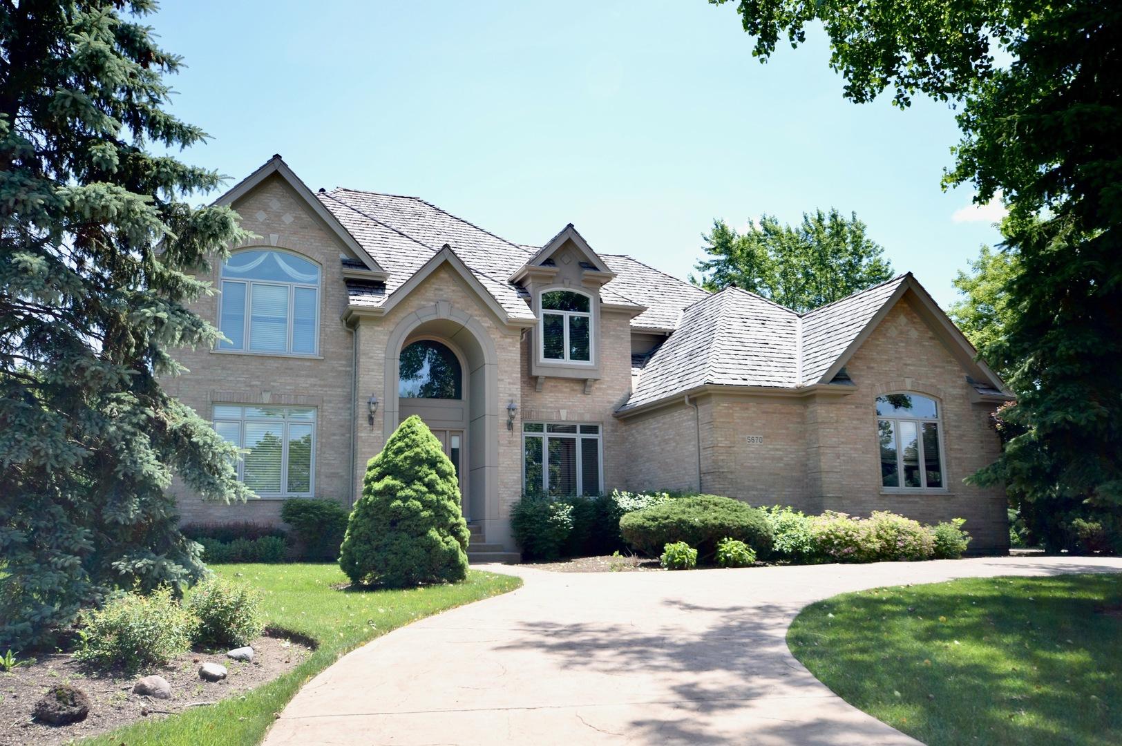 5670 Oakwood Circle, Long Grove, Illinois 60047