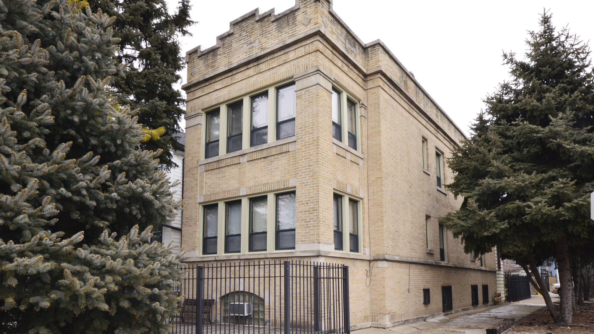 North  Talman Avenue, CHICAGO, IL 60618