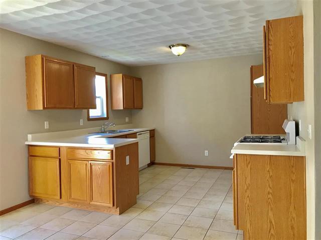 11399 VALERIAN, Roscoe, Illinois, 61073