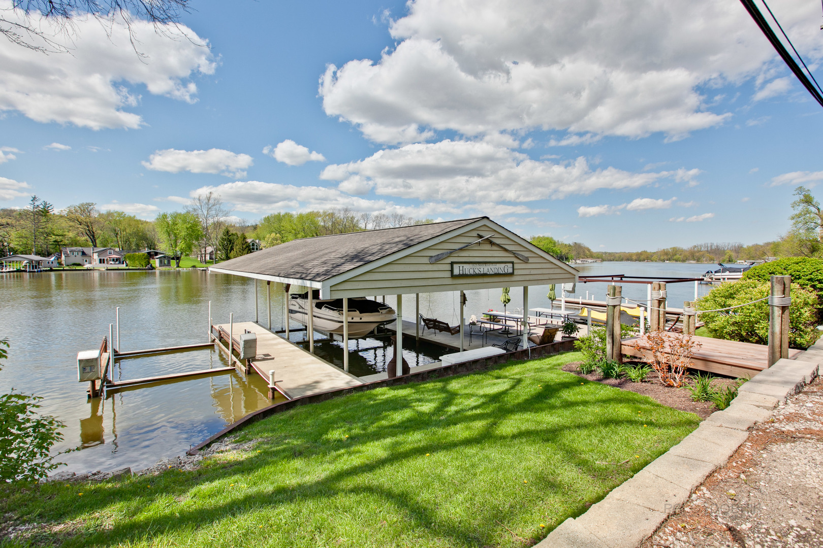 1825 North River, ALGONQUIN, Illinois, 60102