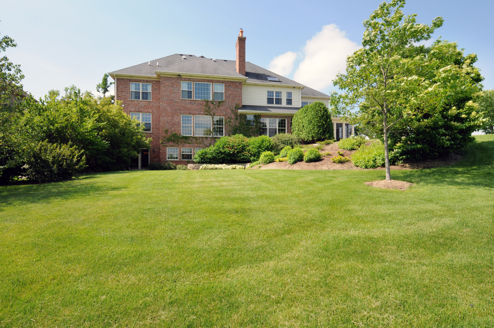 39W716 Henry David Thoreau, Campton Hills, Illinois, 60175