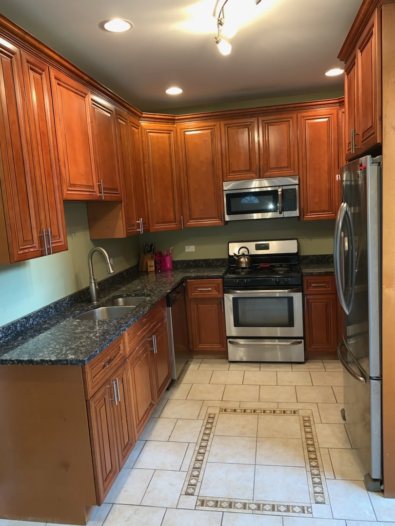 372 East 88TH, CHICAGO, Illinois, 60619