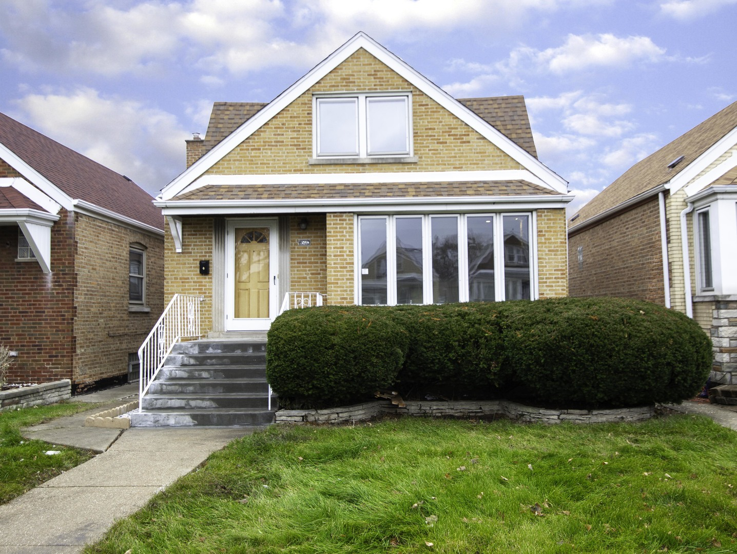 6523 S Kenneth Exterior Photo