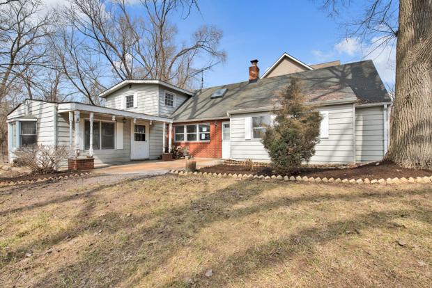 38024 North Lee Avenue, Spring Grove, Illinois 60081