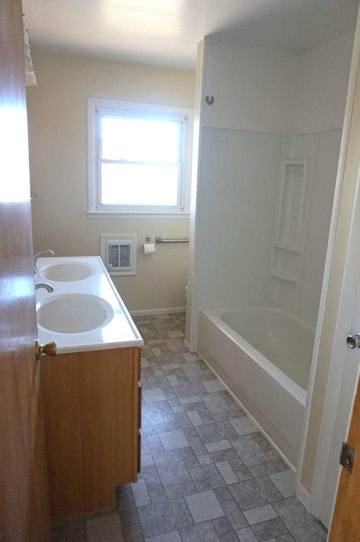 424 East Corning, Peotone, Illinois, 60468