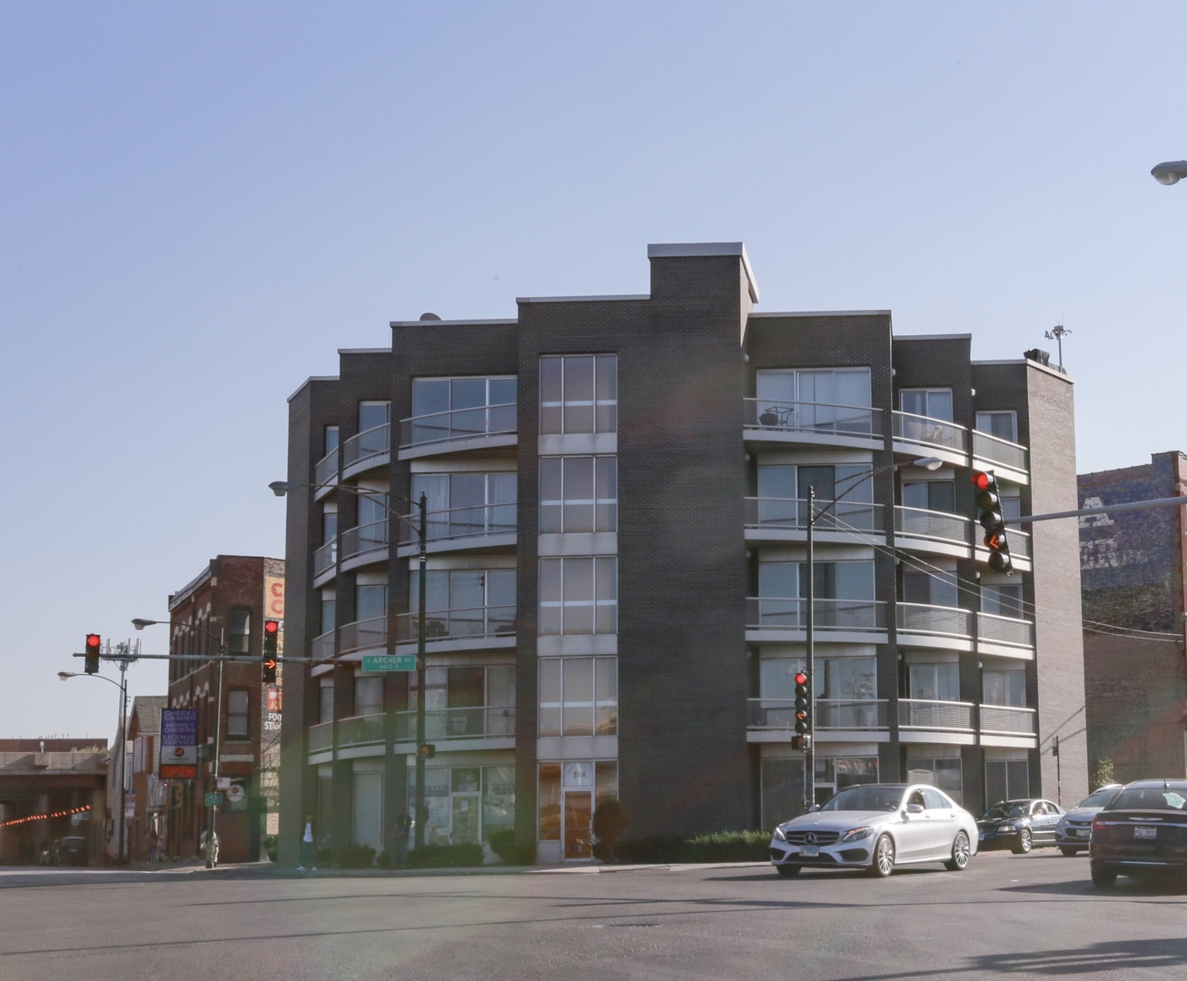2500 S HALSTED Exterior Photo