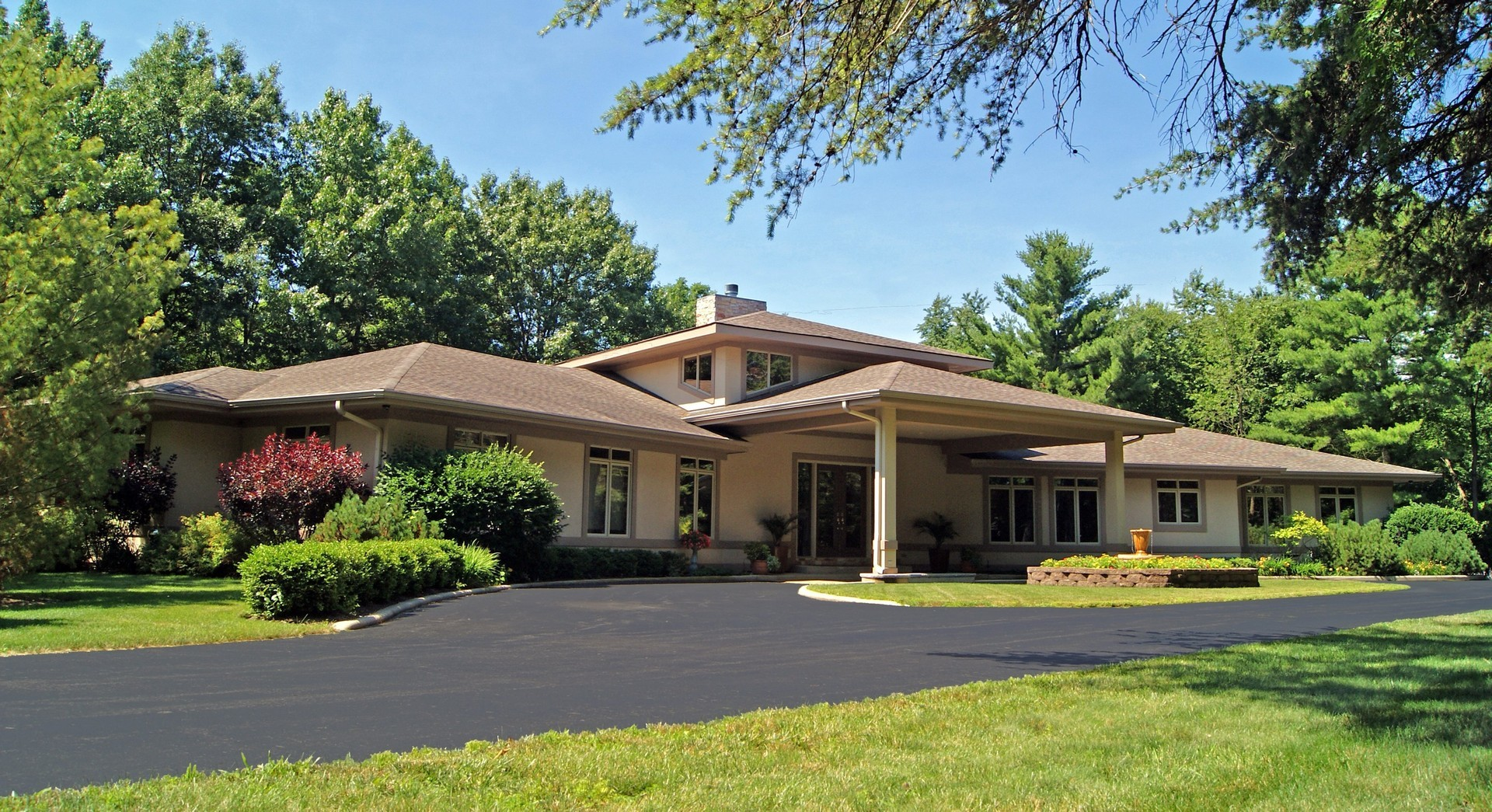 Property for sale at 305 North Rose Farm Road, Woodstock,  IL 60098