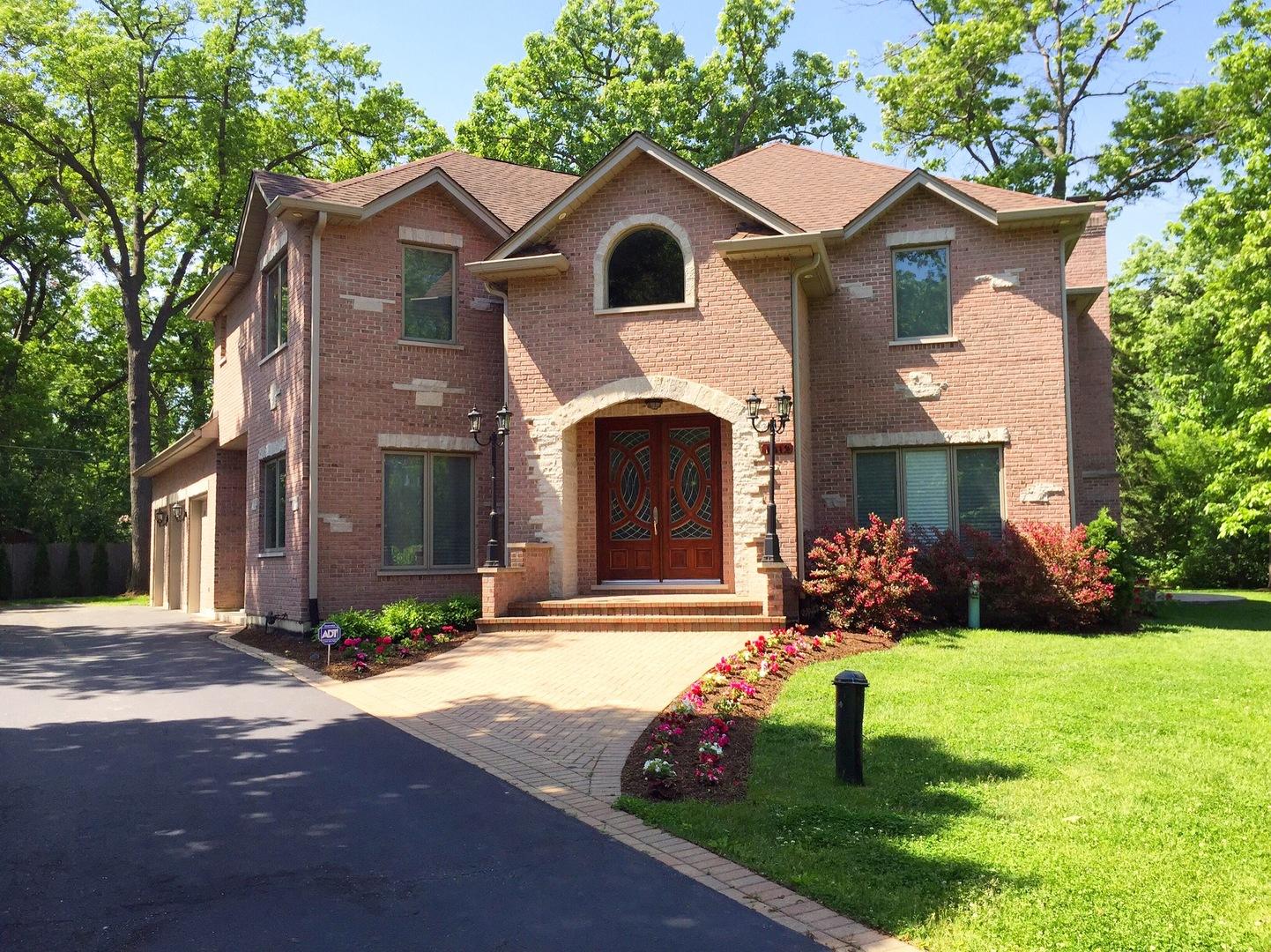 1012 Plaister Avenue, Lake Bluff, Illinois 60044