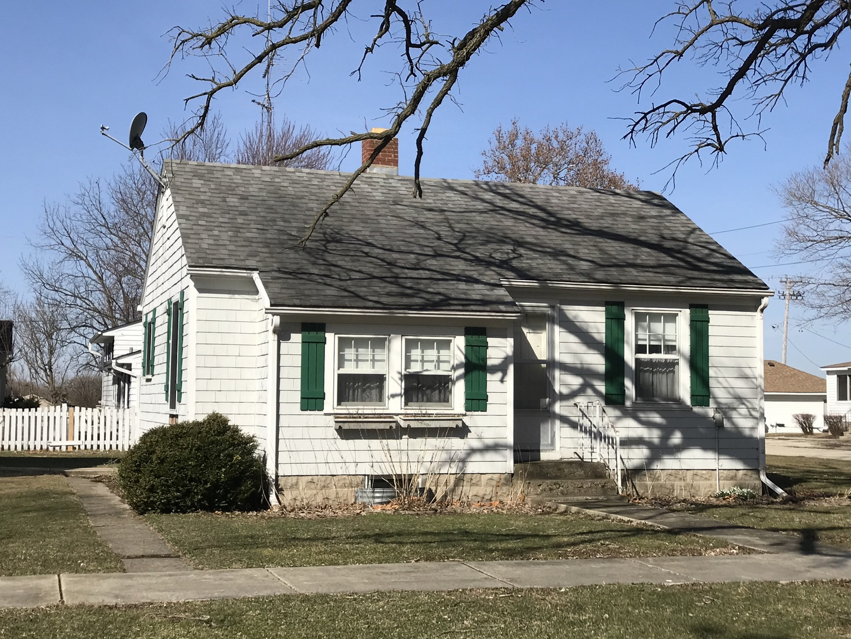 213  Kane,  Maple Park, Illinois