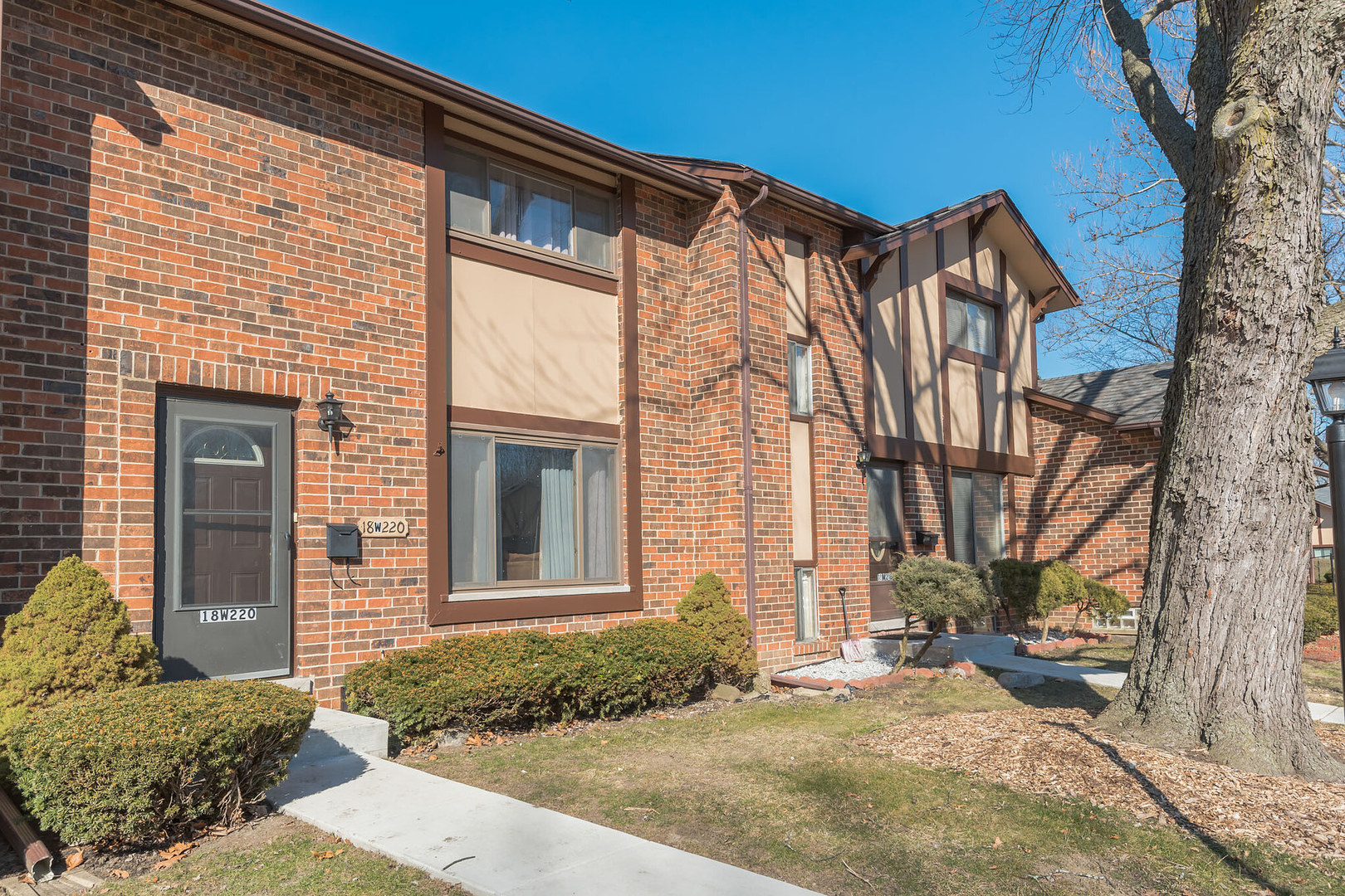 18W220 Lowell, Villa Park, Illinois, 60181