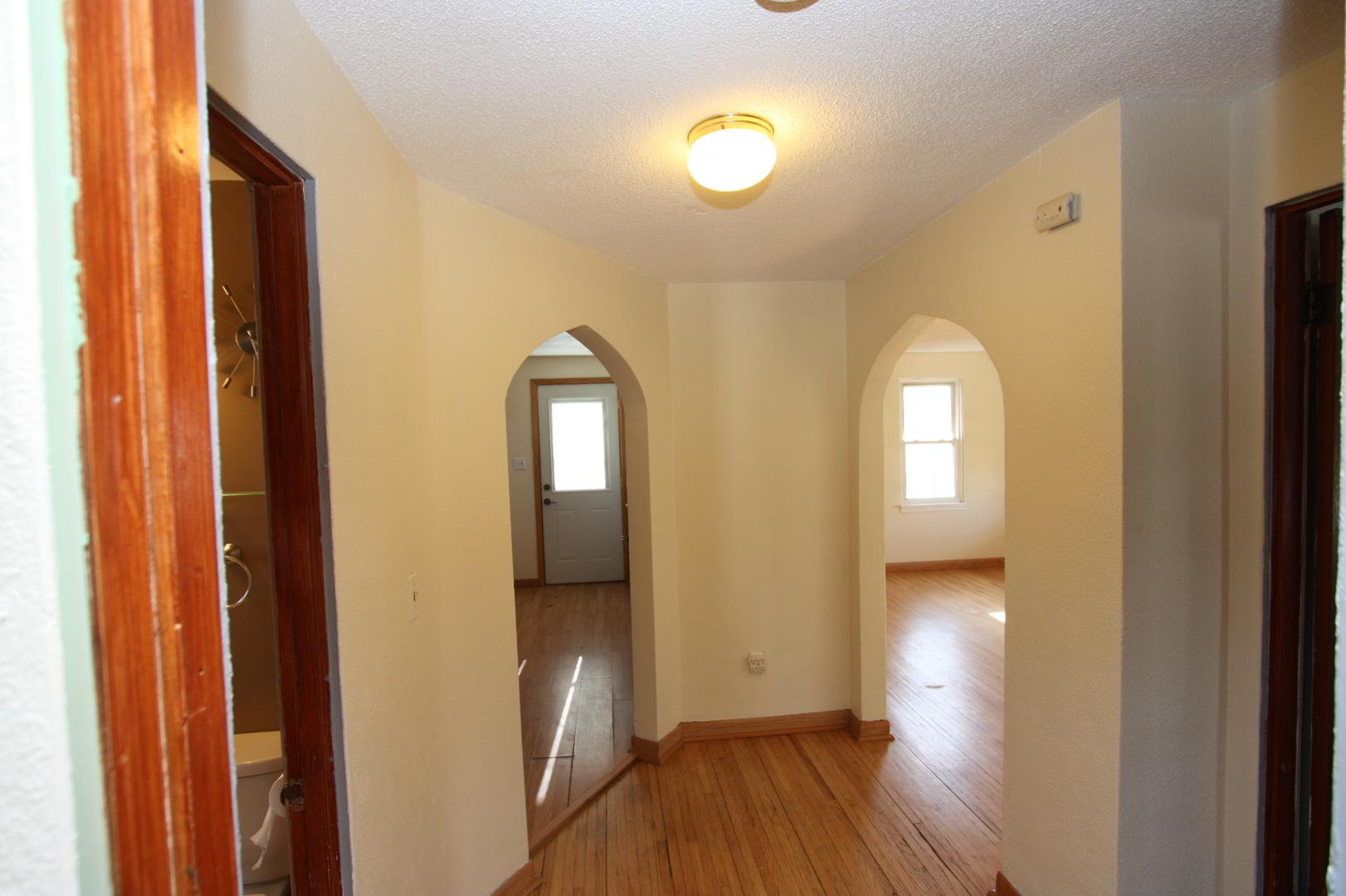 1812 Oakland, Crest Hill, Illinois, 60403