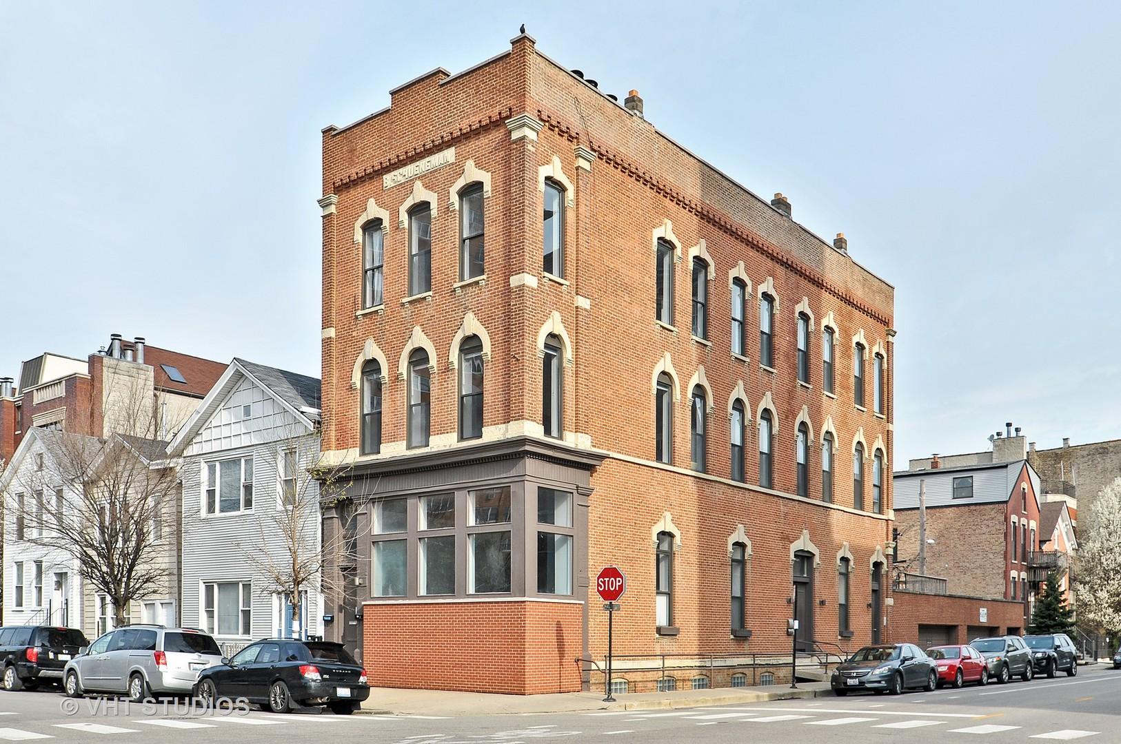 West Chestnut St., CHICAGO, IL 60622