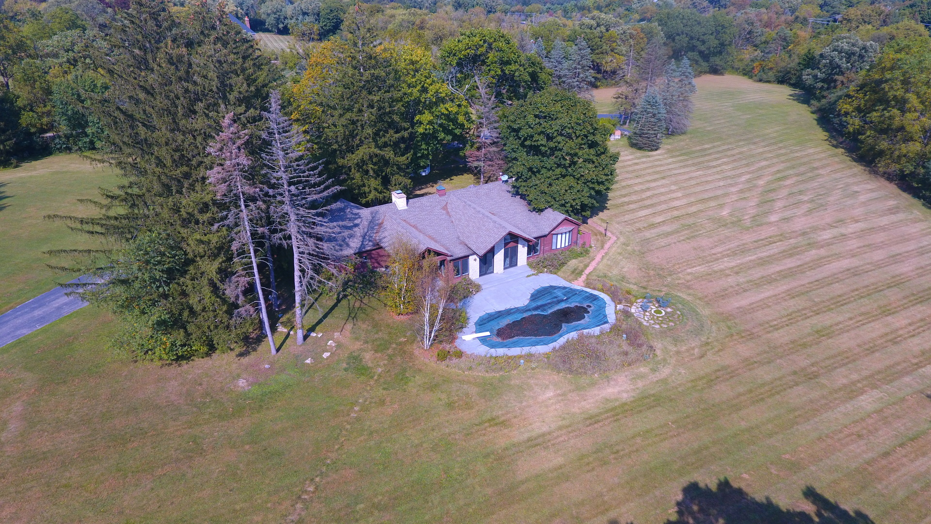 527 West Merri Oaks Road, Barrington Hills, Illinois 60010