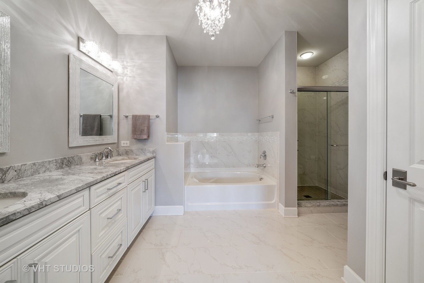 149 West KENNEDY 207, Hinsdale, Illinois, 60521