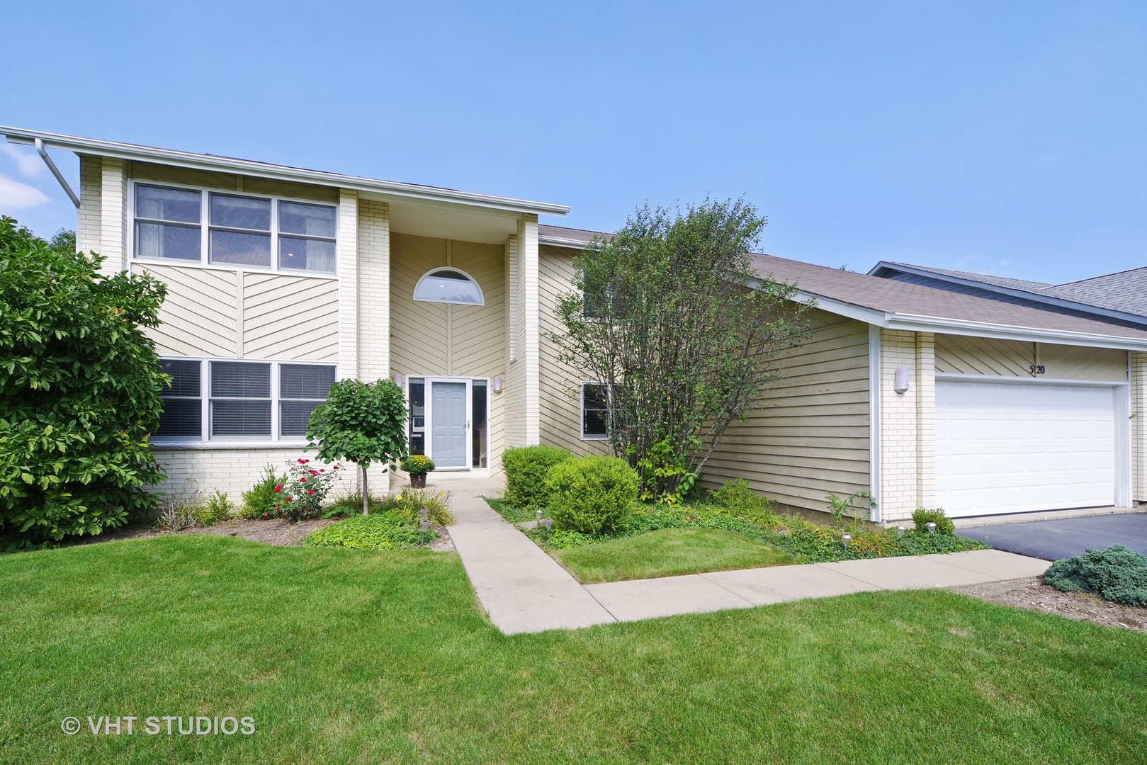 520 Newtown Drive, Buffalo Grove, Illinois 60089