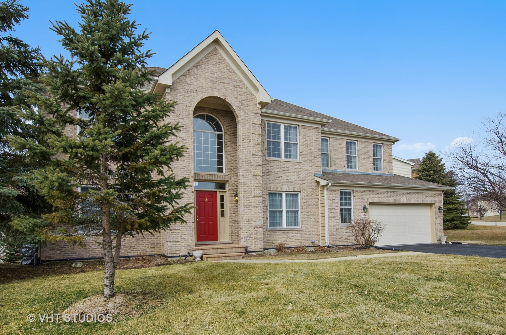 Property for sale at 514 Barton Creek Drive, Lake In The Hills,  IL 60156