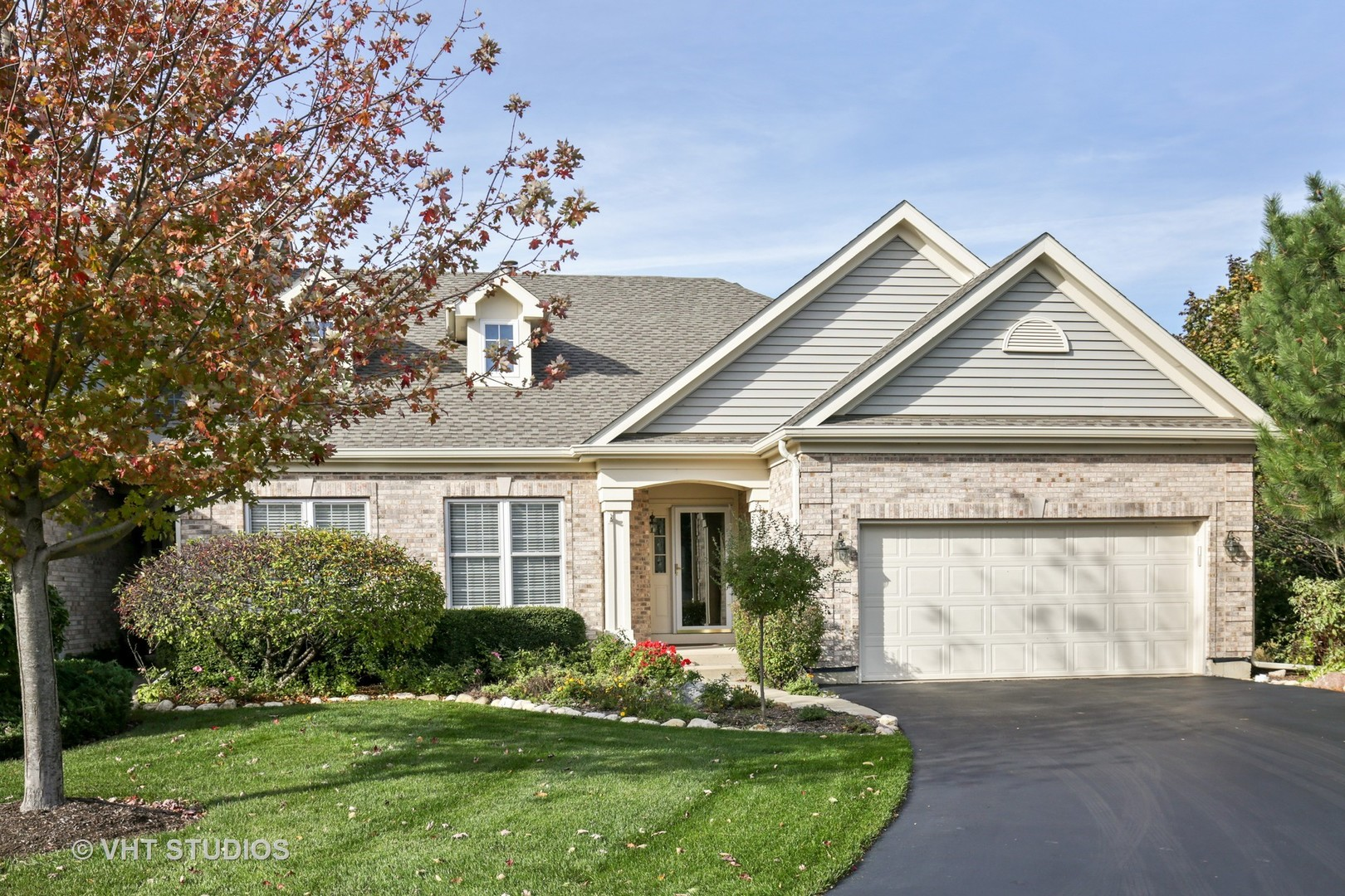 Property for sale at 7 Juniper Court, Lake In The Hills,  IL 60156