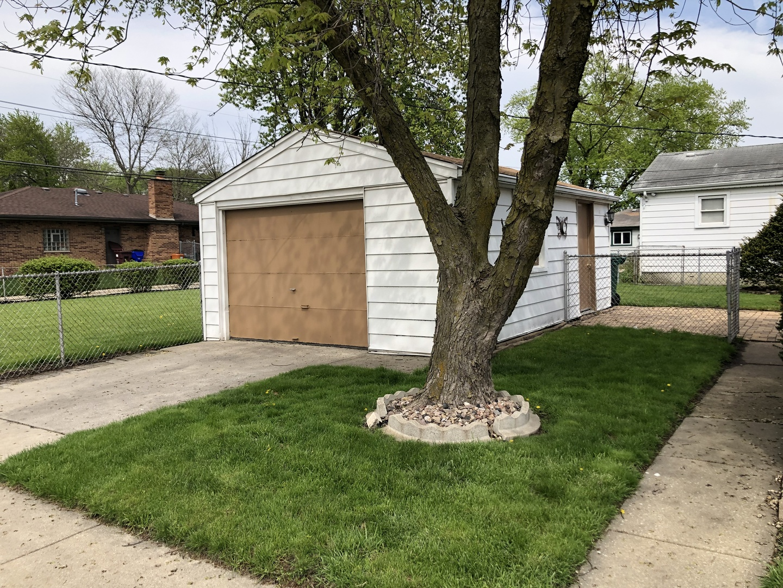 300 Queens, Thornton, Illinois, 46322