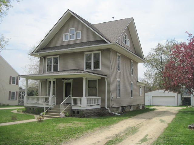 405 S Richardson Avenue, Ashton, IL 61006