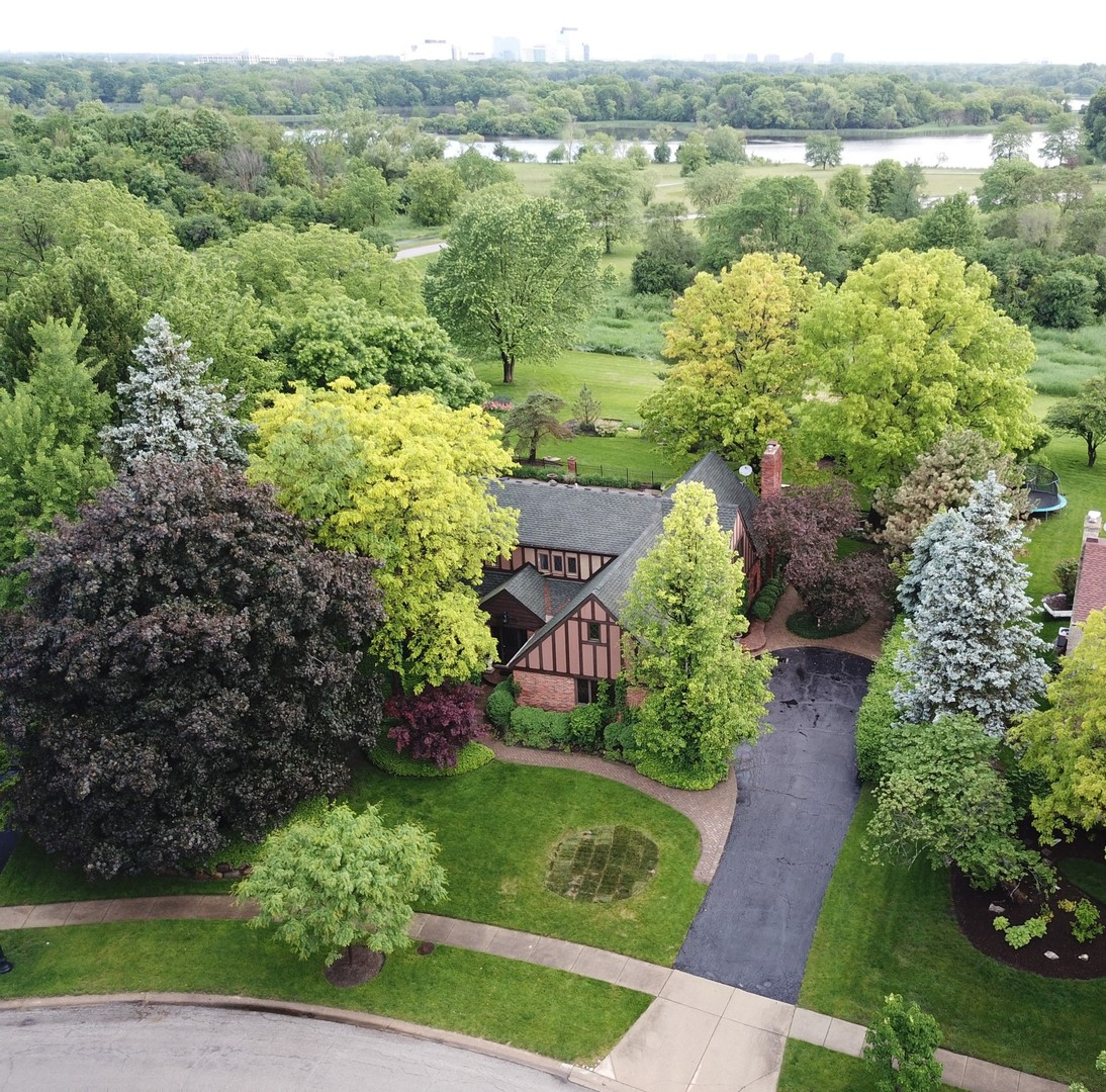 600 Ruskin, Elk Grove Village, Illinois, 60007