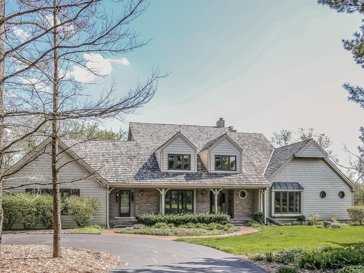 2 Sara Lane, Barrington Hills, Illinois 60010