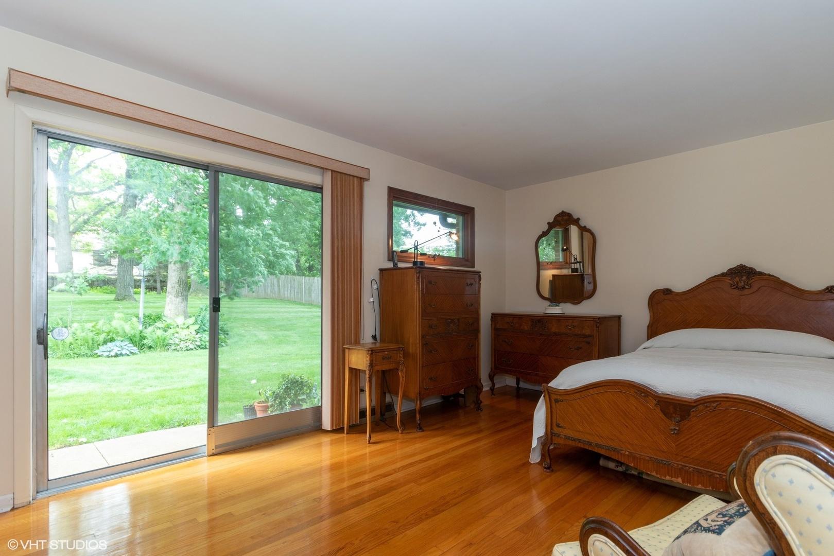 16W523 Timberlake, WILLOWBROOK, Illinois, 60527