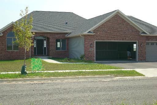 205 Chesterfield Drive, Waterman, IL 60556