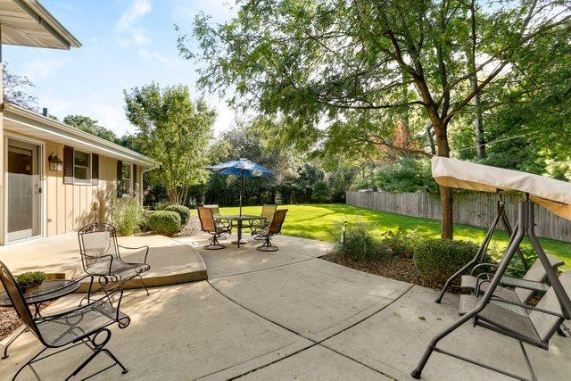 701 Meadow Wood, Joliet, Illinois, 60431