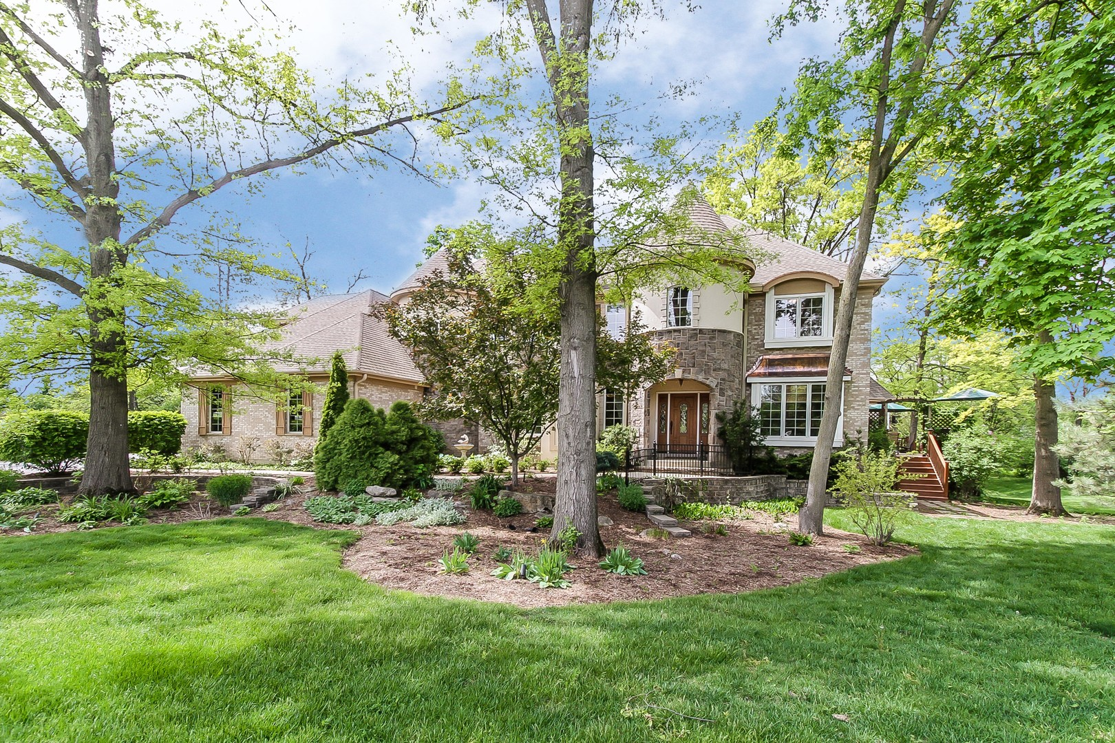 3s550 Herrick Hills Court, Warrenville, Illinois 60555