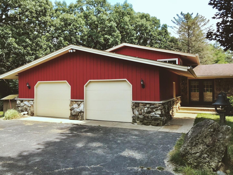 25753 West Ivanhoe Road, Wauconda, Illinois 60084