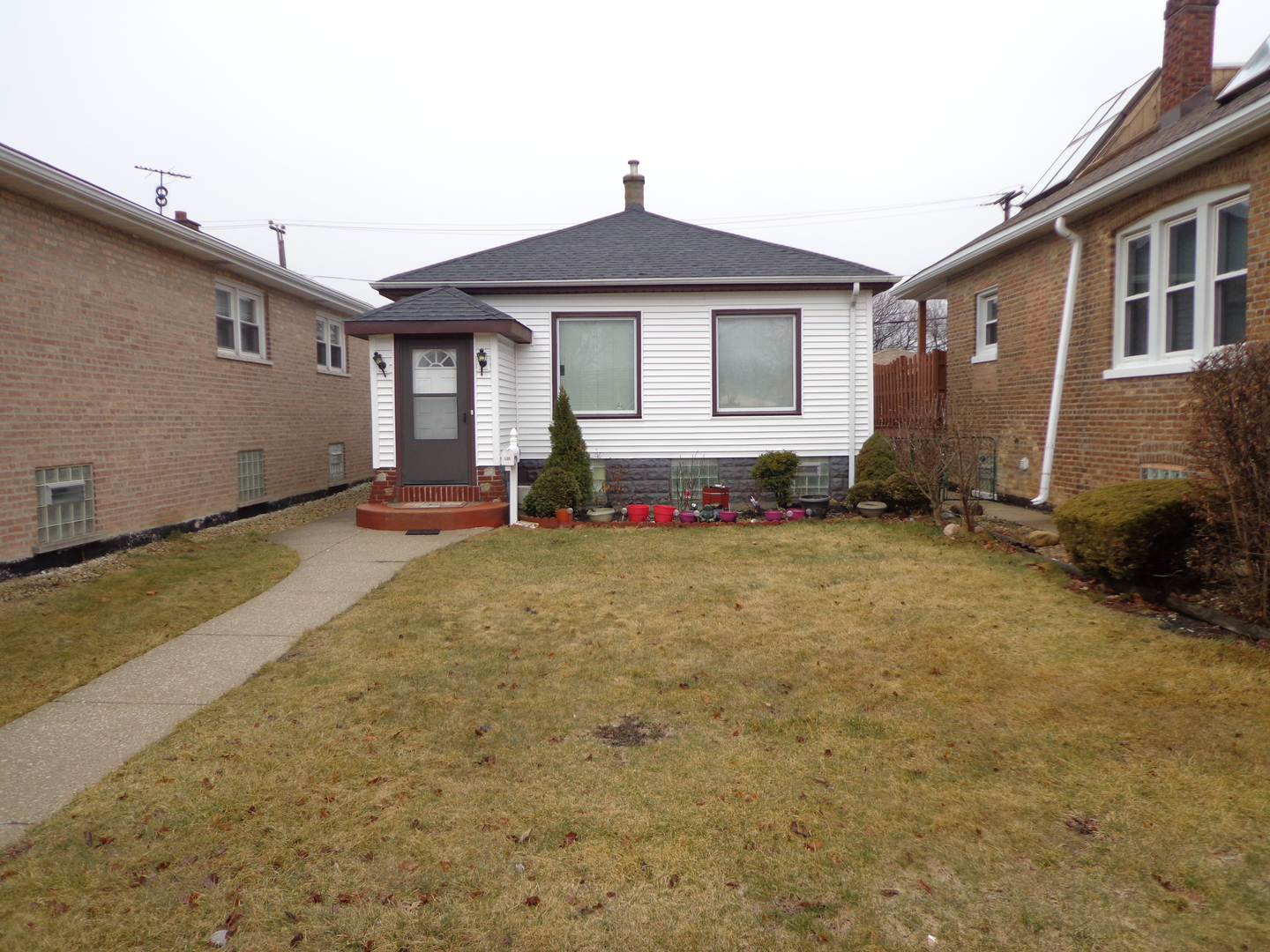 5408 S RUTHERFORD Exterior Photo