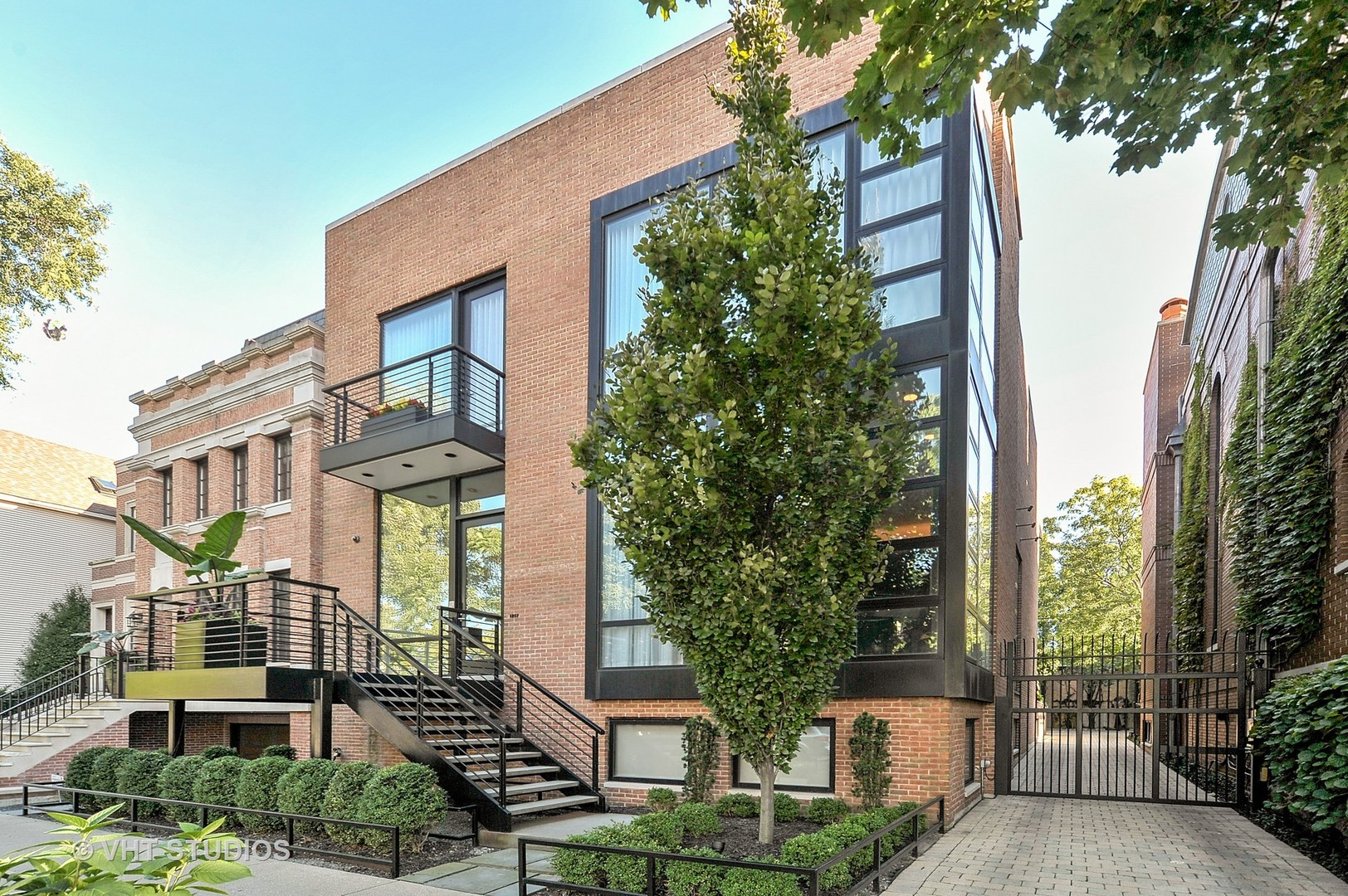 1257 W Wrightwood Avenue, Chicago, IL 60614