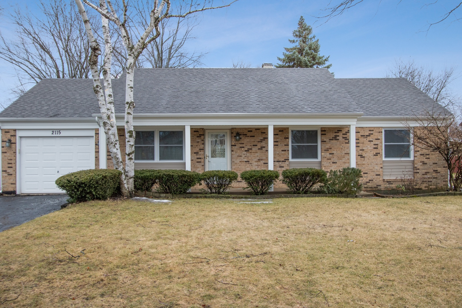2115 Rolling Ridge Lane, Lindenhurst, Illinois 60046