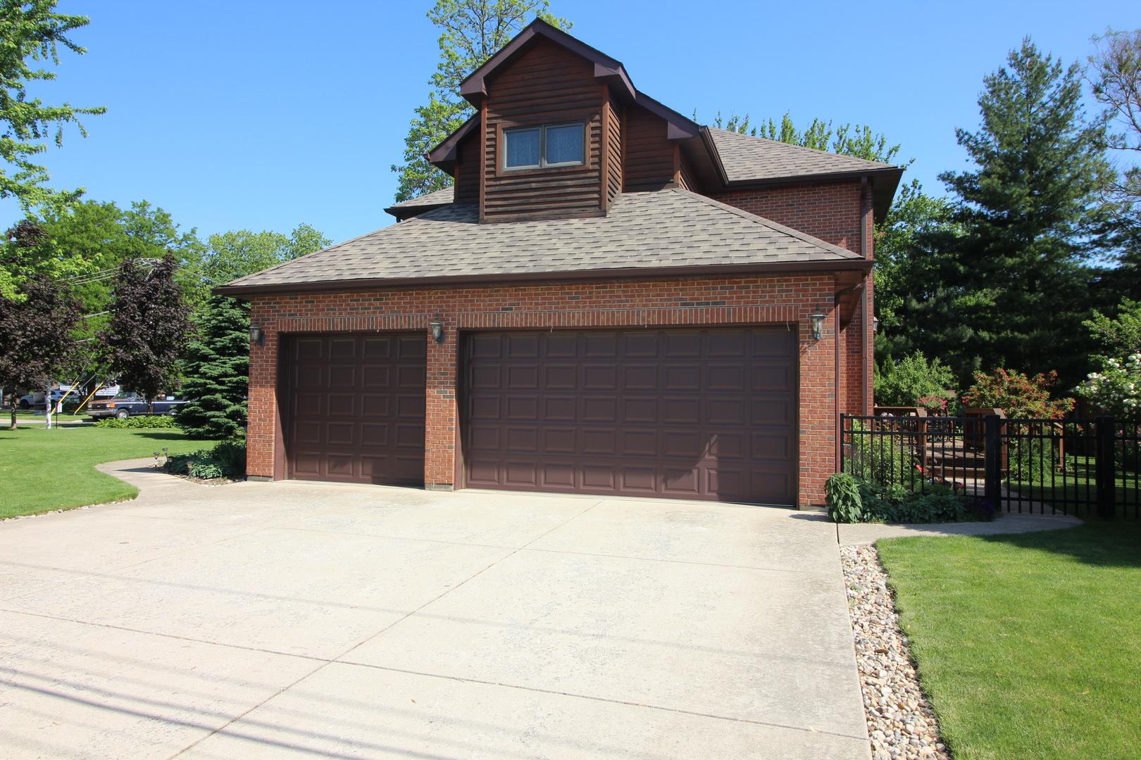 213 Dalewood, Wood Dale, Illinois, 60191