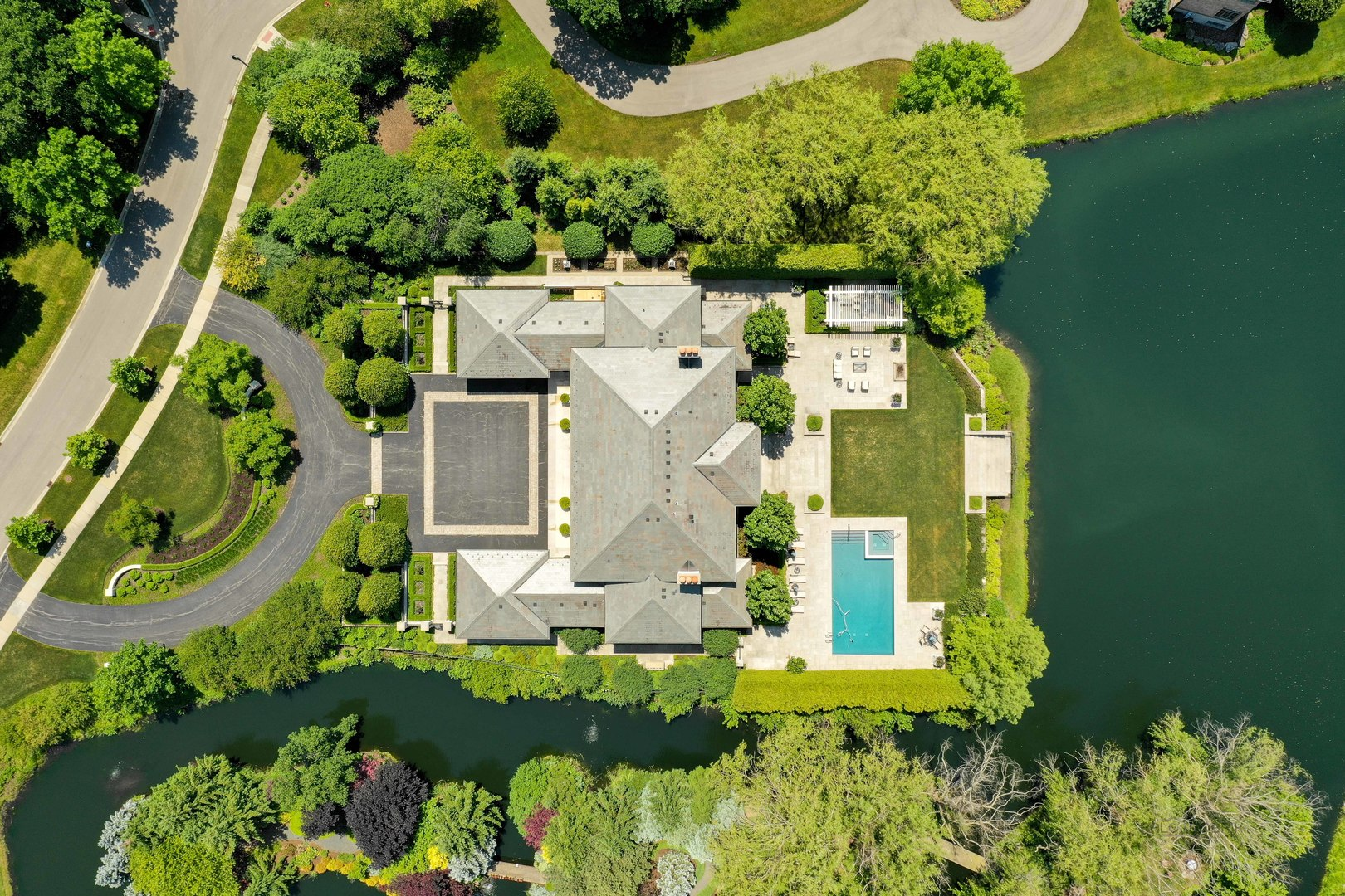 1230 West Summerfield, Lake Forest, Illinois, 60045