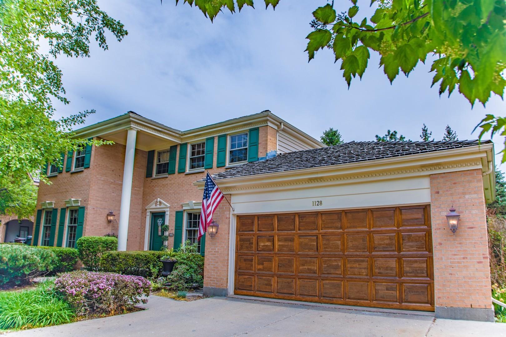 1128 Loyola Drive, Libertyville, Illinois 60048