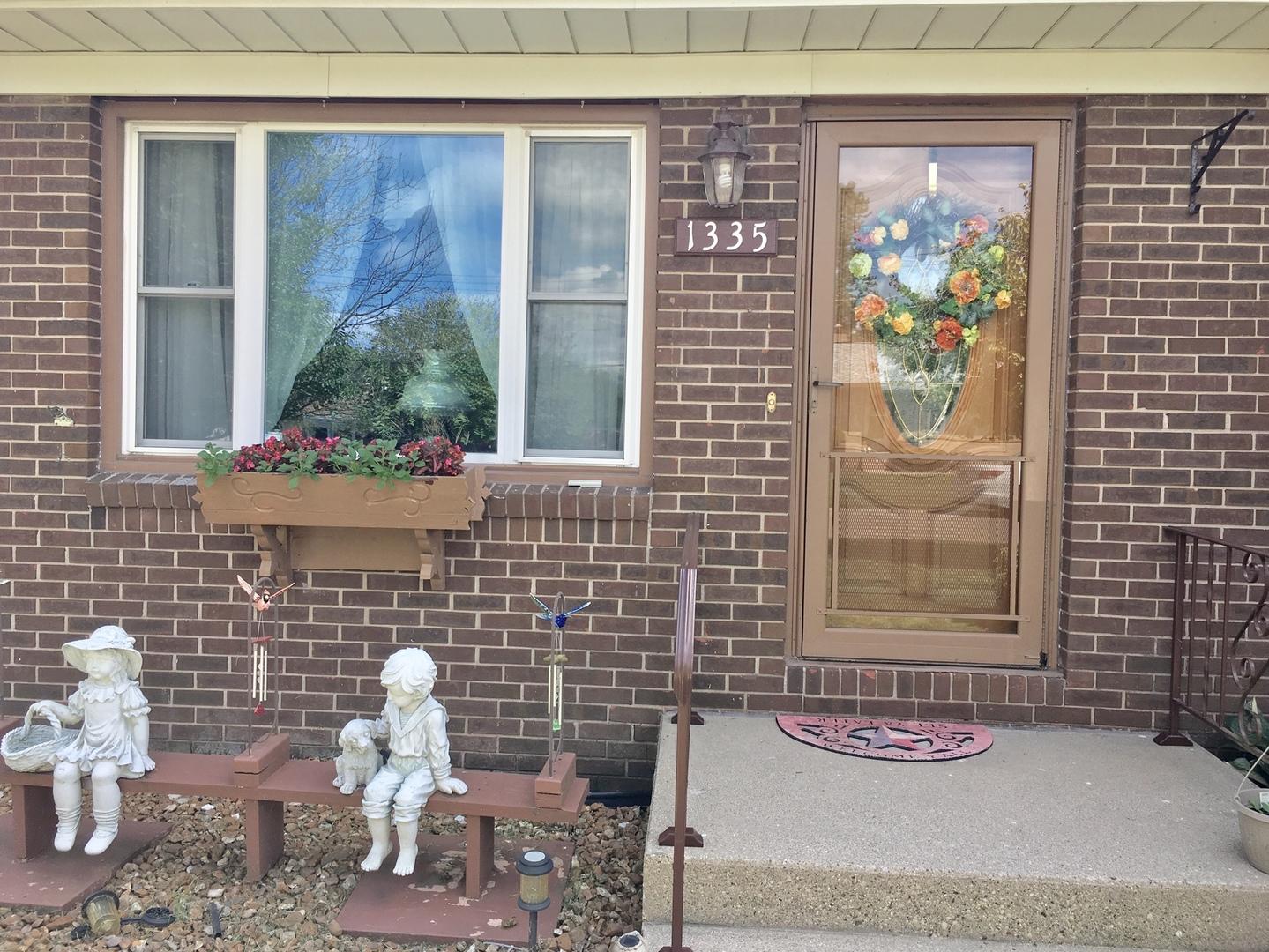 1335 West Washington, Ottawa, Illinois, 61350