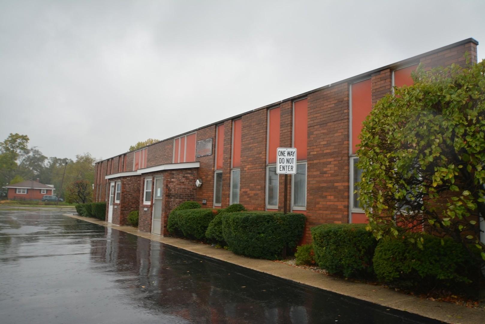 2020 Lewis Avenue, Zion, IL 60099