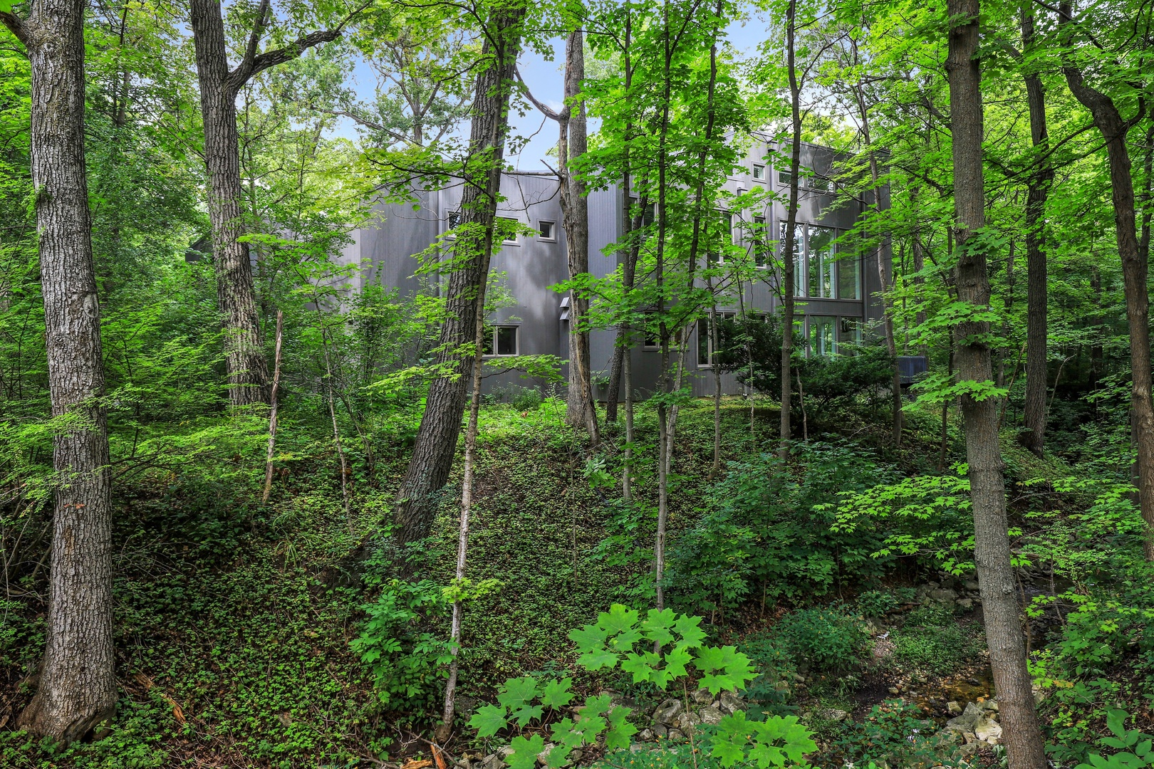 270 Ravine Forest Drive, Lake Bluff, Illinois 60044