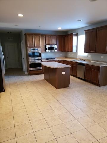 206 WOODFORD, Oswego, Illinois, 60543