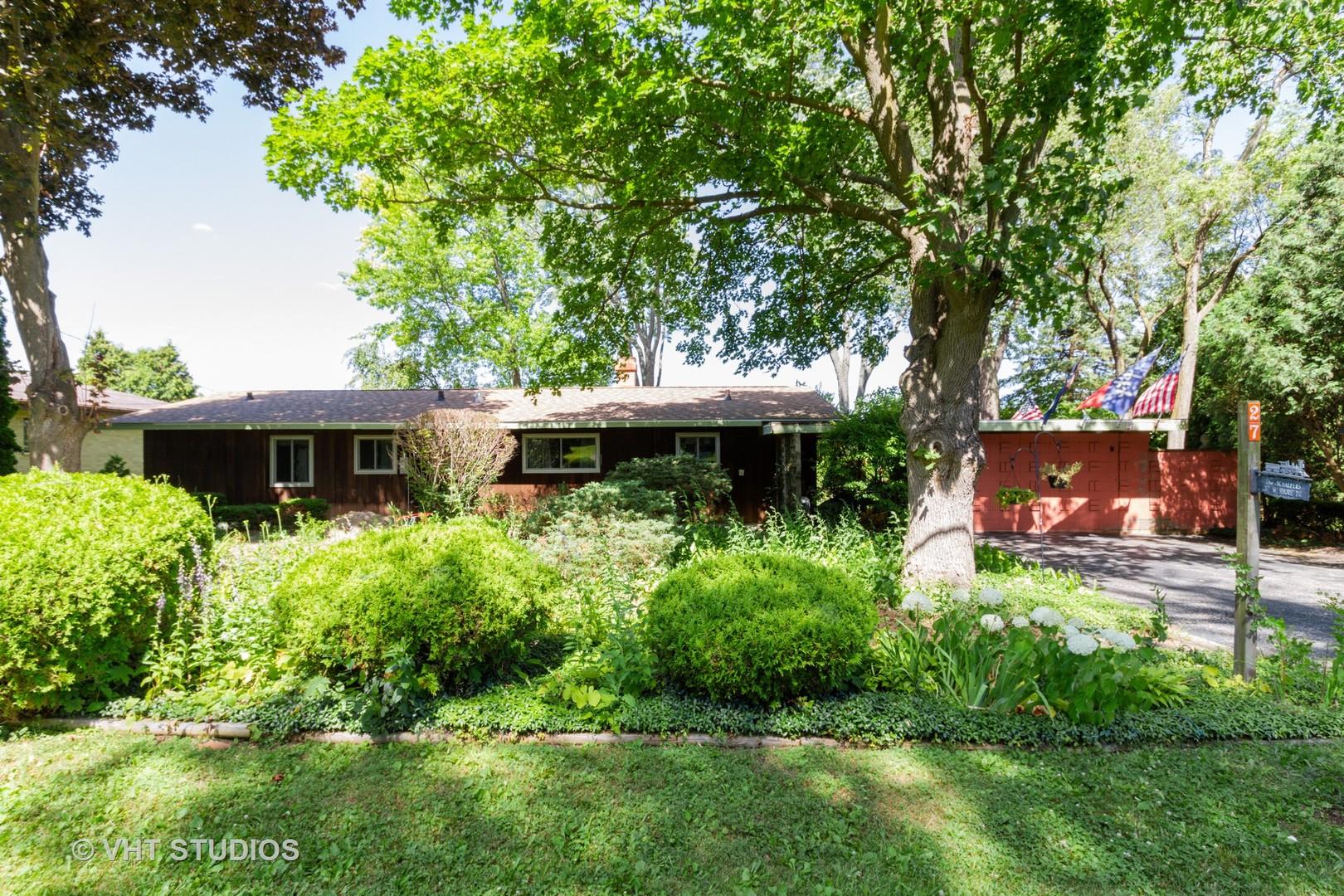 27 West Shore, Grayslake, Illinois, 60030