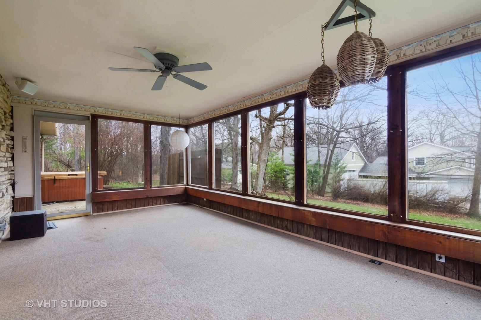 230 Frances, BARRINGTON, Illinois, 60010