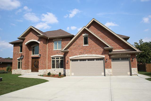 533 Crest Avenue, Elk Grove Village, IL 60007