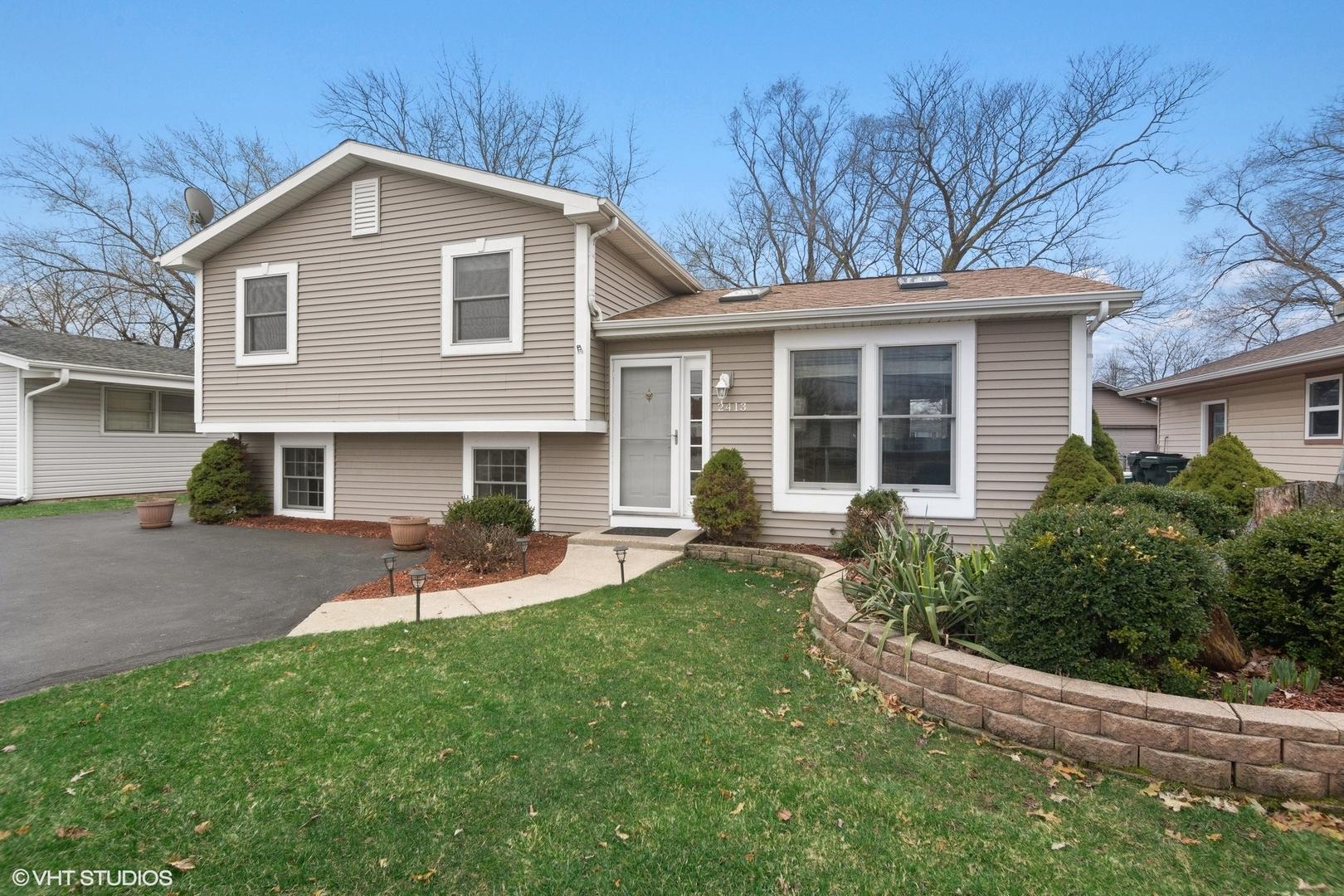2413 East Sand Lake Road, Lindenhurst, Illinois 60046