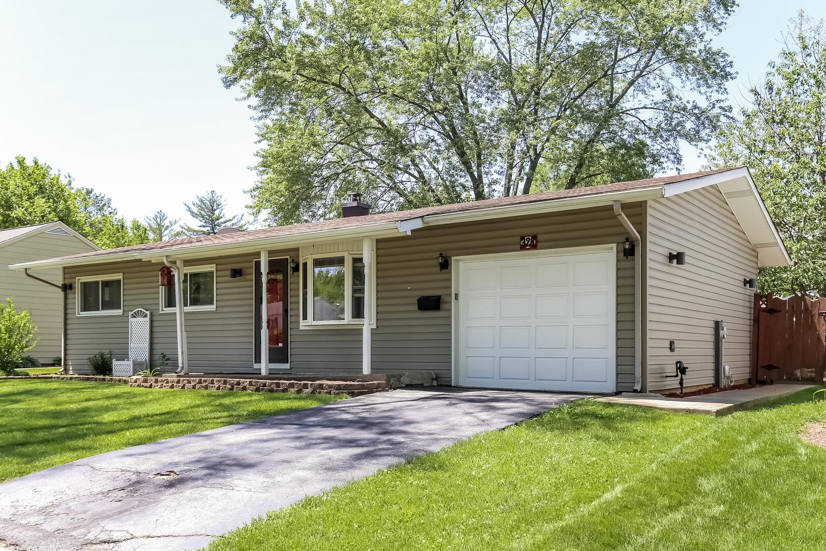 328 Melinda Lane, Buffalo Grove, Illinois 60089