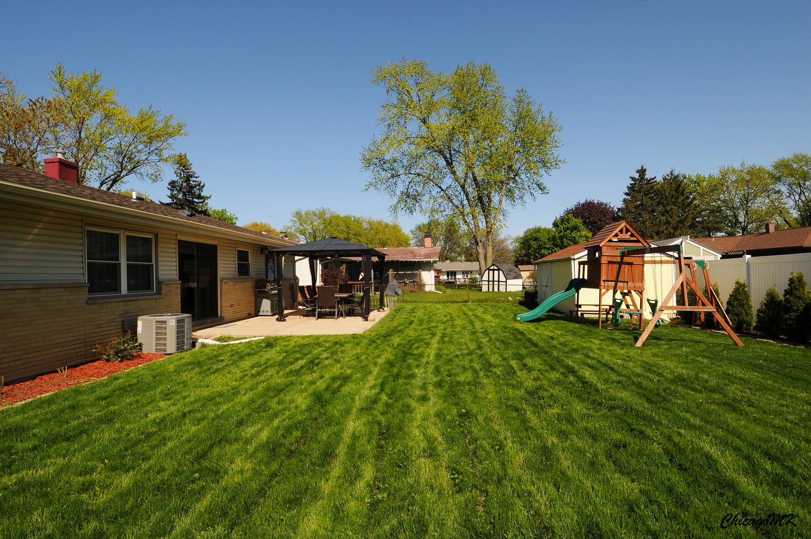 109 Crest, ELK GROVE VILLAGE, Illinois, 60007