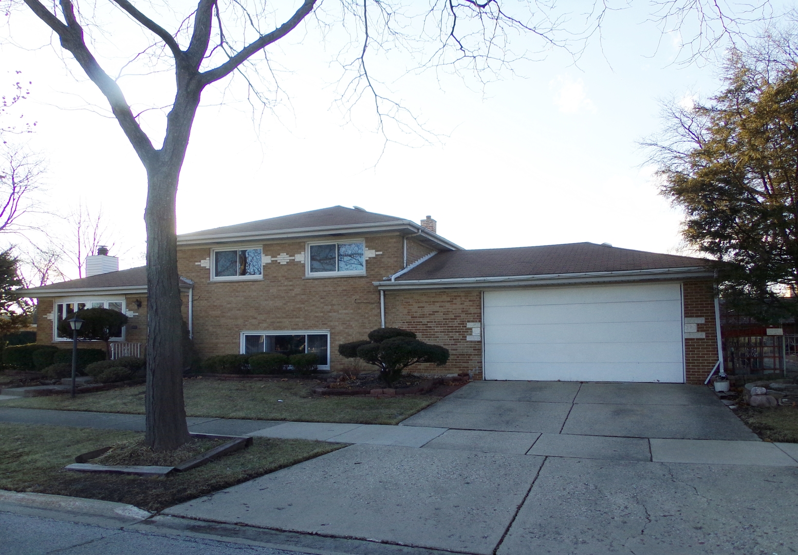 Suffield Street, MORTON GROVE, IL 60053
